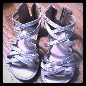 Toddler sandals 👡